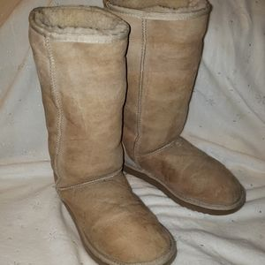 Ugg Classic Tall Size W8 Leather & Sheepskin